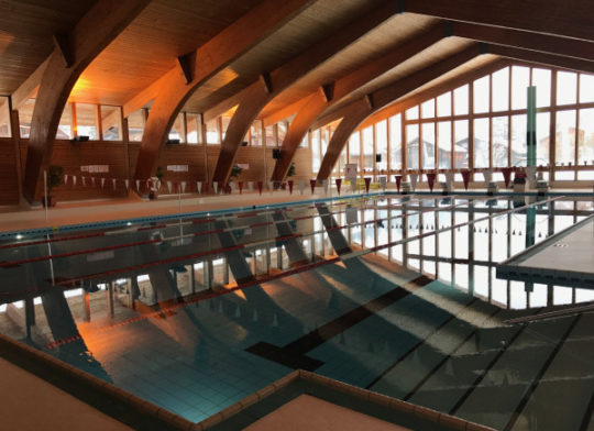 Gstaad swimming pool